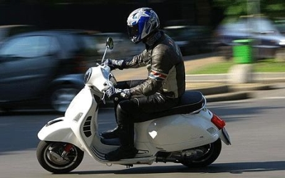 California Scooter and Moped Driving Laws